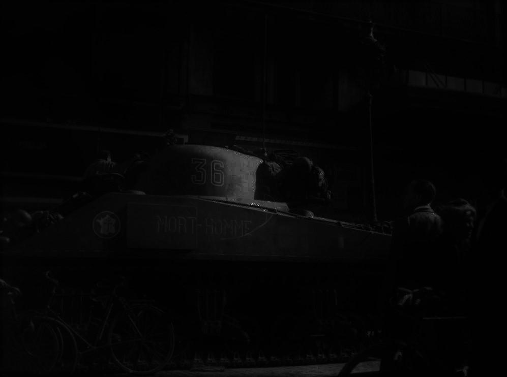 le char MORT HOMME - Page 4 Mort-h12