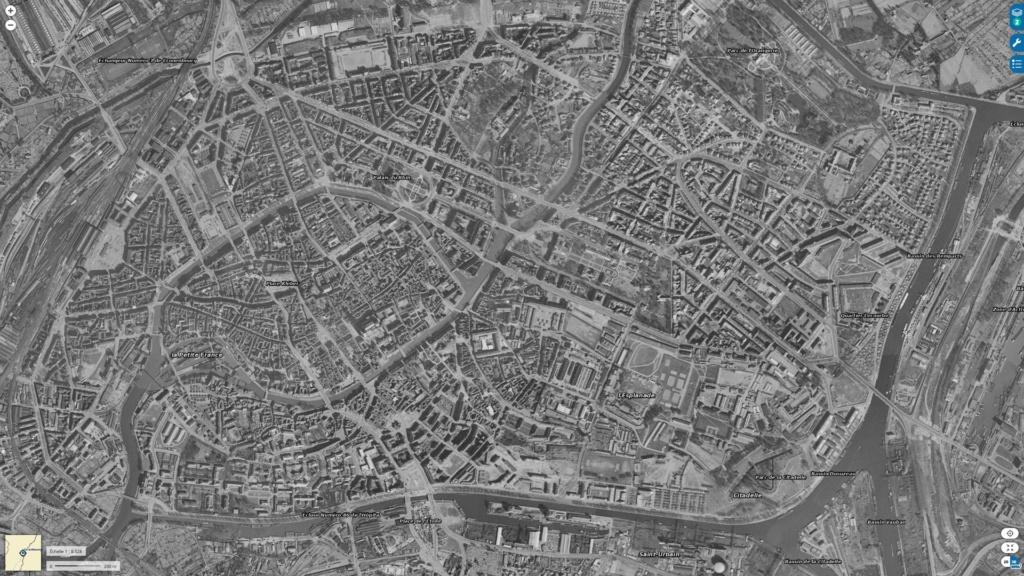 Libération de Strasbourg. Char TD M10 le Strasbourg  - Page 2 Strasb12