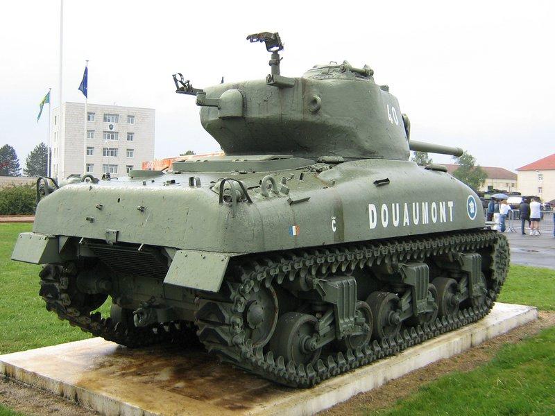 Taille et position des marquages d'un Sherman de la 2ème DB  X-m4a110