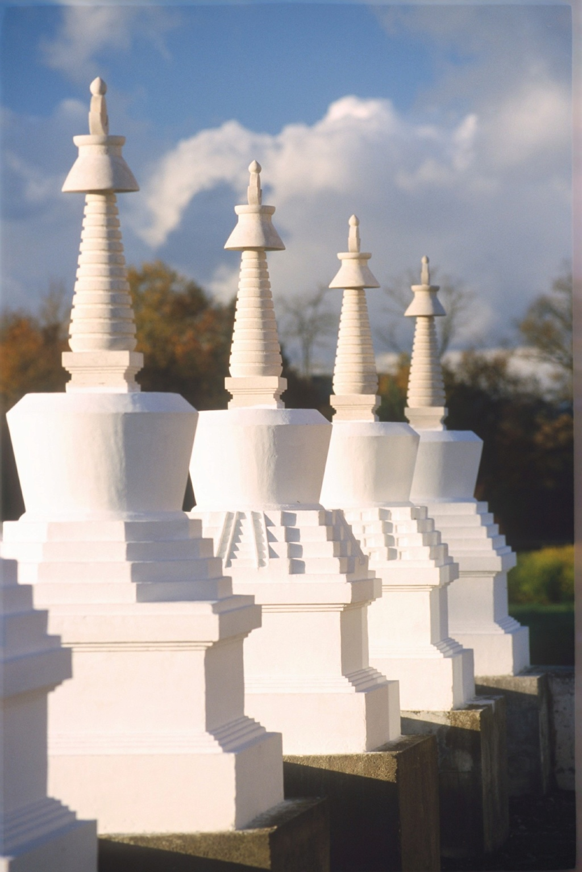 Les stupas en Europe 41-10010