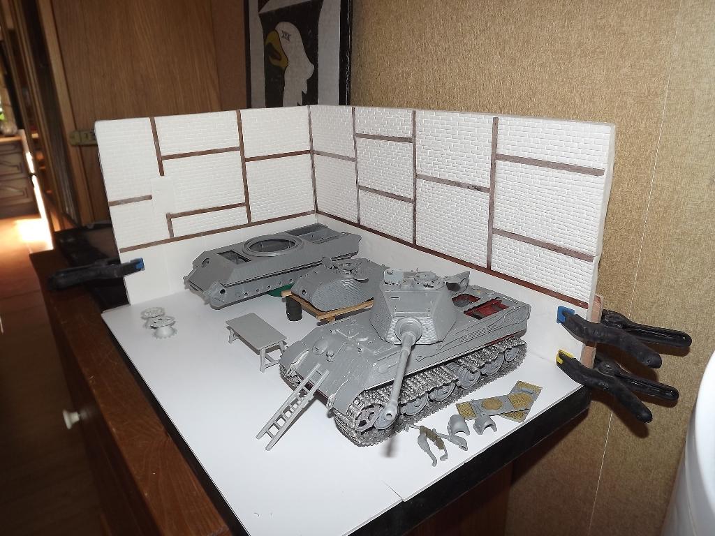 Usine de construction de Tigre 2....1/35 4_210