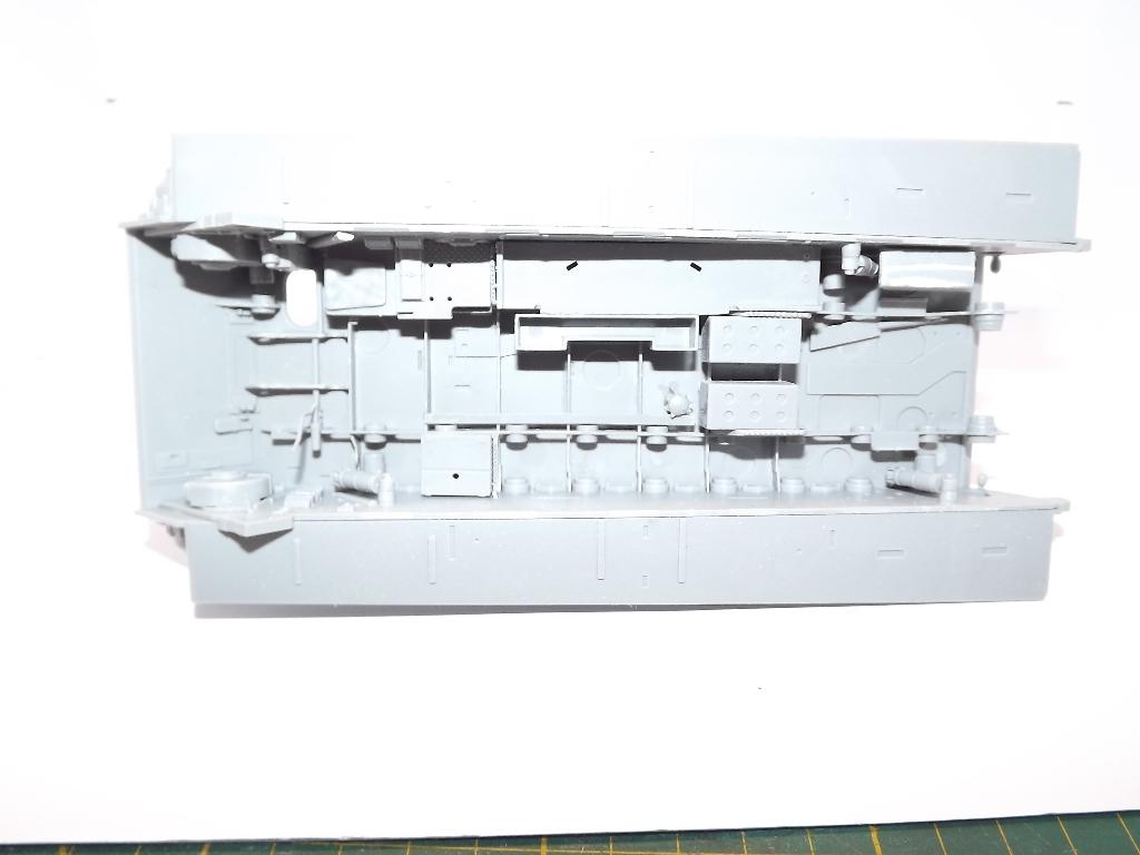 Tigre II full interior - Takom - 1/35 Dscf3911
