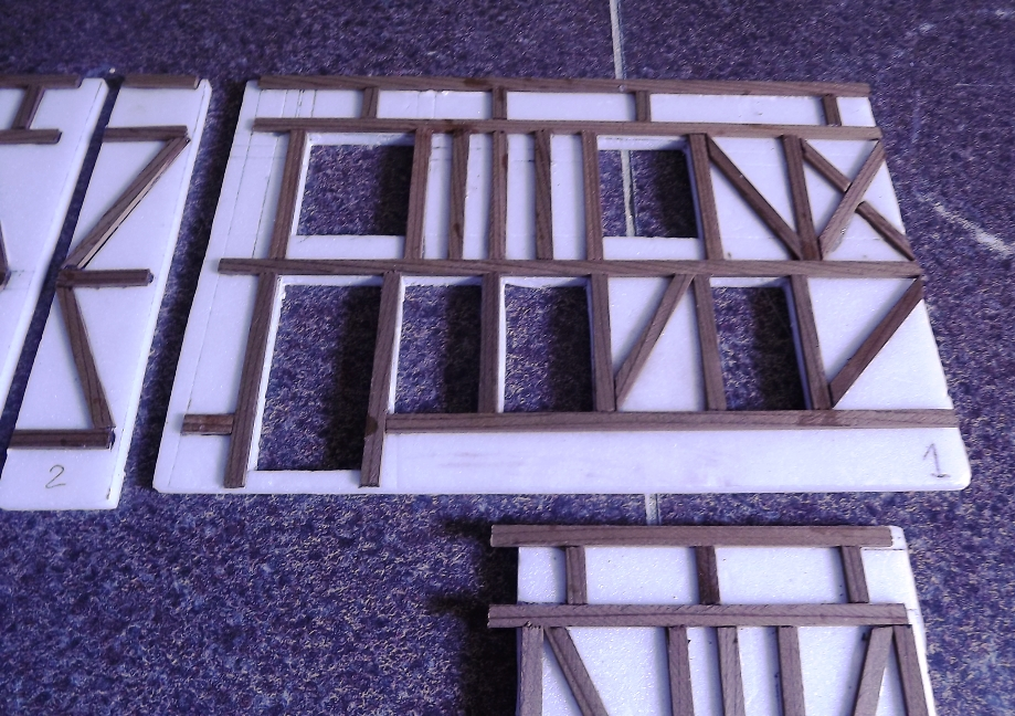 Pas-à-pas maison type Normande pour diorama 1/35 Dscf4021