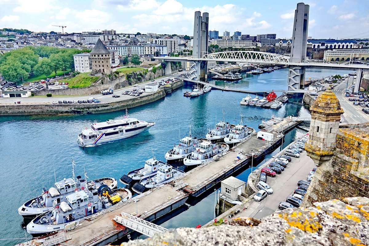 [Les ports militaires de métropole] Port de BREST - TOME 3 - Page 27 _co11194