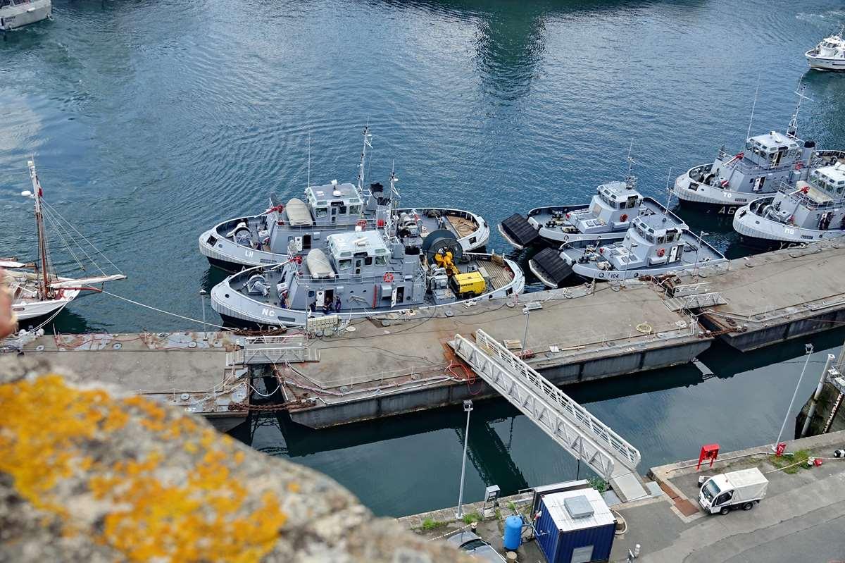 [Les ports militaires de métropole] Port de BREST - TOME 3 - Page 27 _co11198