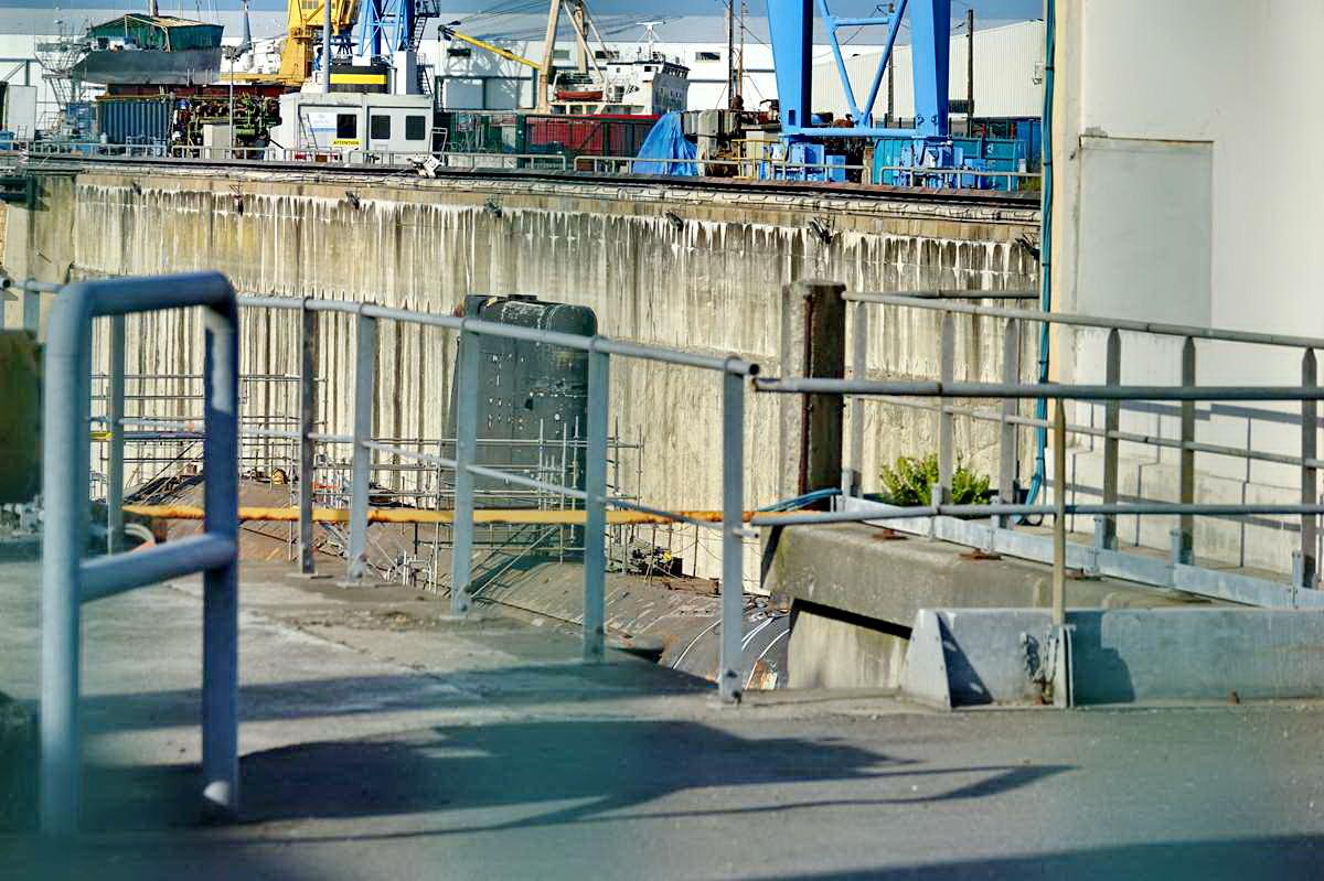[Autre sujet Marine Nationale] Démantèlement, déconstruction des navires - TOME 2 - Page 24 _co12147