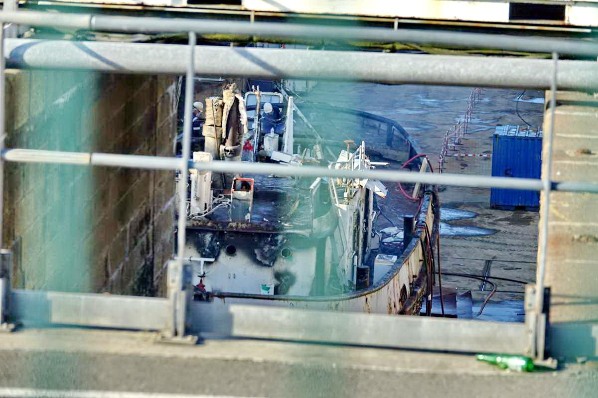[Autre sujet Marine Nationale] Démantèlement, déconstruction des navires - TOME 2 - Page 24 _co12149