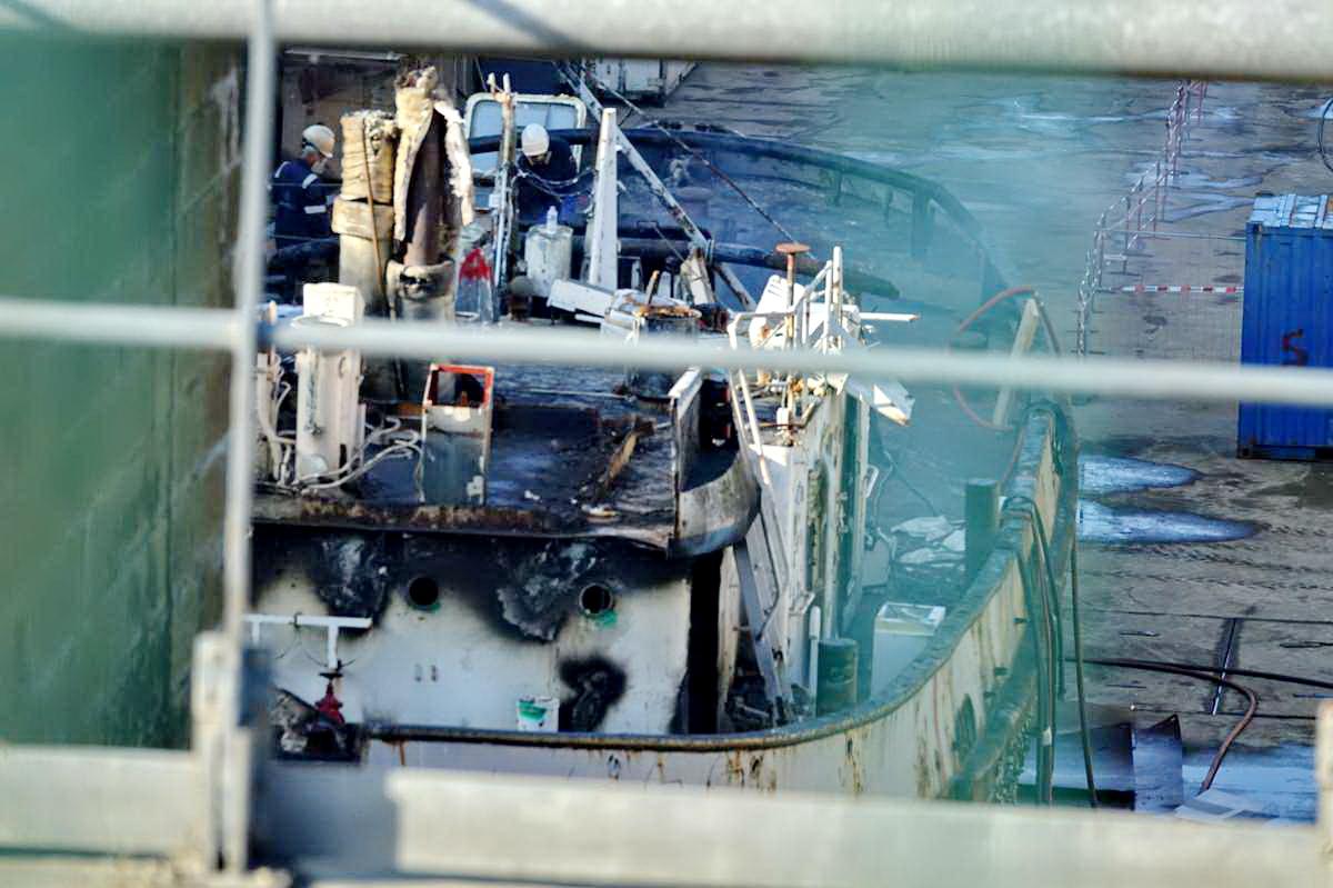 [Autre sujet Marine Nationale] Démantèlement, déconstruction des navires - TOME 2 - Page 24 _co12150