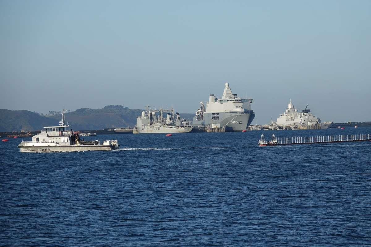[Les ports militaires de métropole] Port de BREST - TOME 3 - Page 27 _co12178