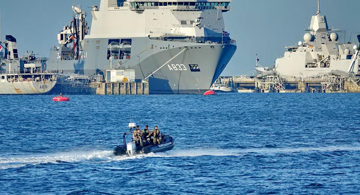 [Les ports militaires de métropole] Port de BREST - TOME 3 - Page 27 _co12268