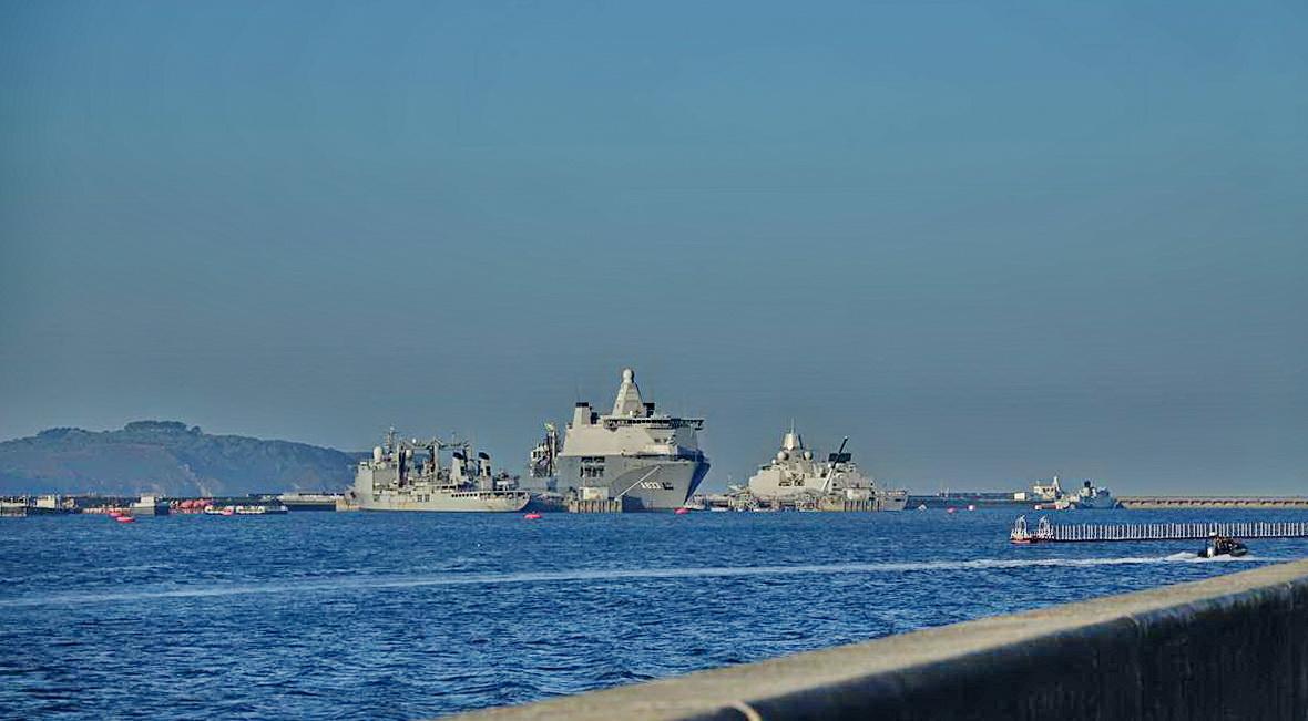 [Les ports militaires de métropole] Port de BREST - TOME 3 - Page 27 _co12271