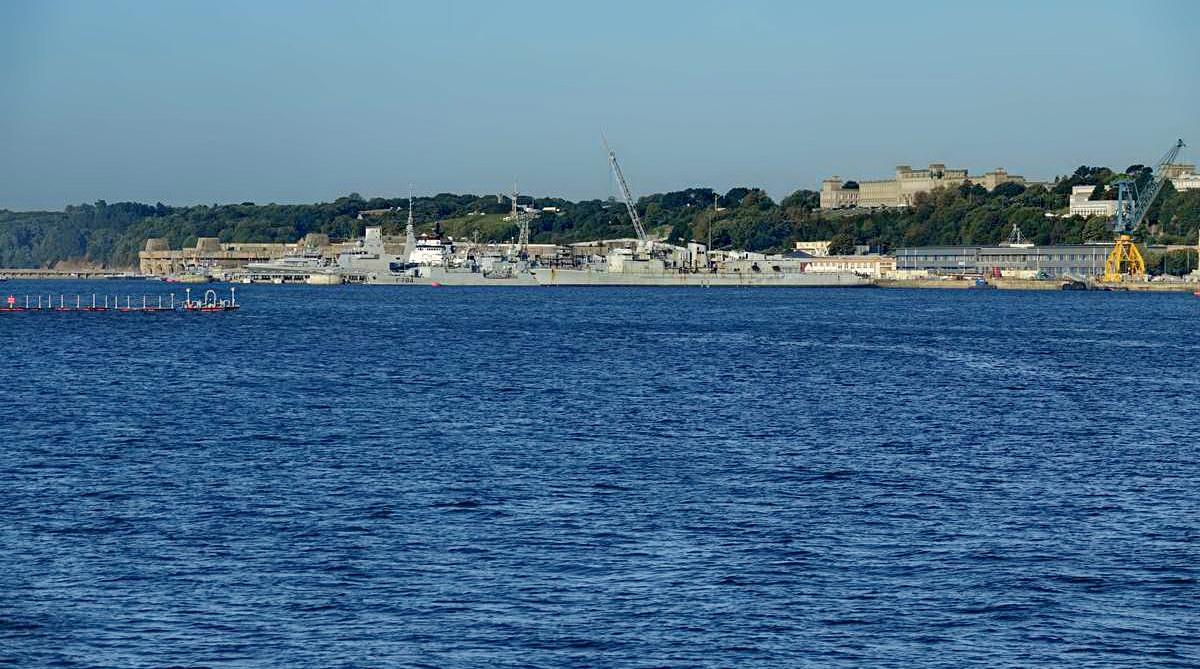 [Les ports militaires de métropole] Port de BREST - TOME 3 - Page 27 _co12276