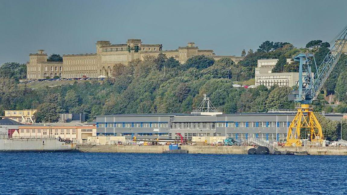 [Les ports militaires de métropole] Port de BREST - TOME 3 - Page 27 _co12277