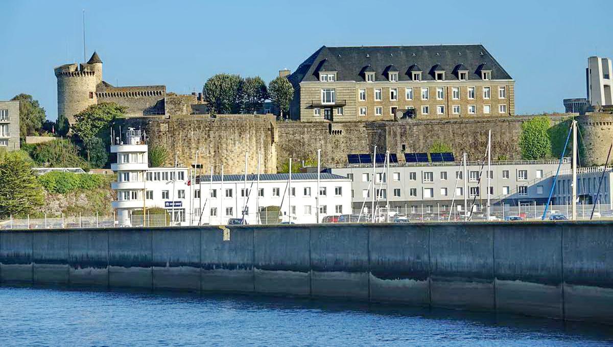 [Les ports militaires de métropole] Port de BREST - TOME 3 - Page 27 _co12281