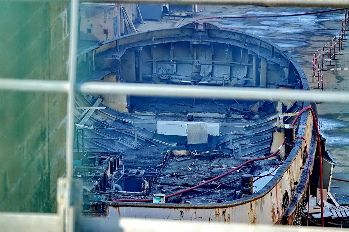 [Autre sujet Marine Nationale] Démantèlement, déconstruction des navires - TOME 2 - Page 24 _co12391