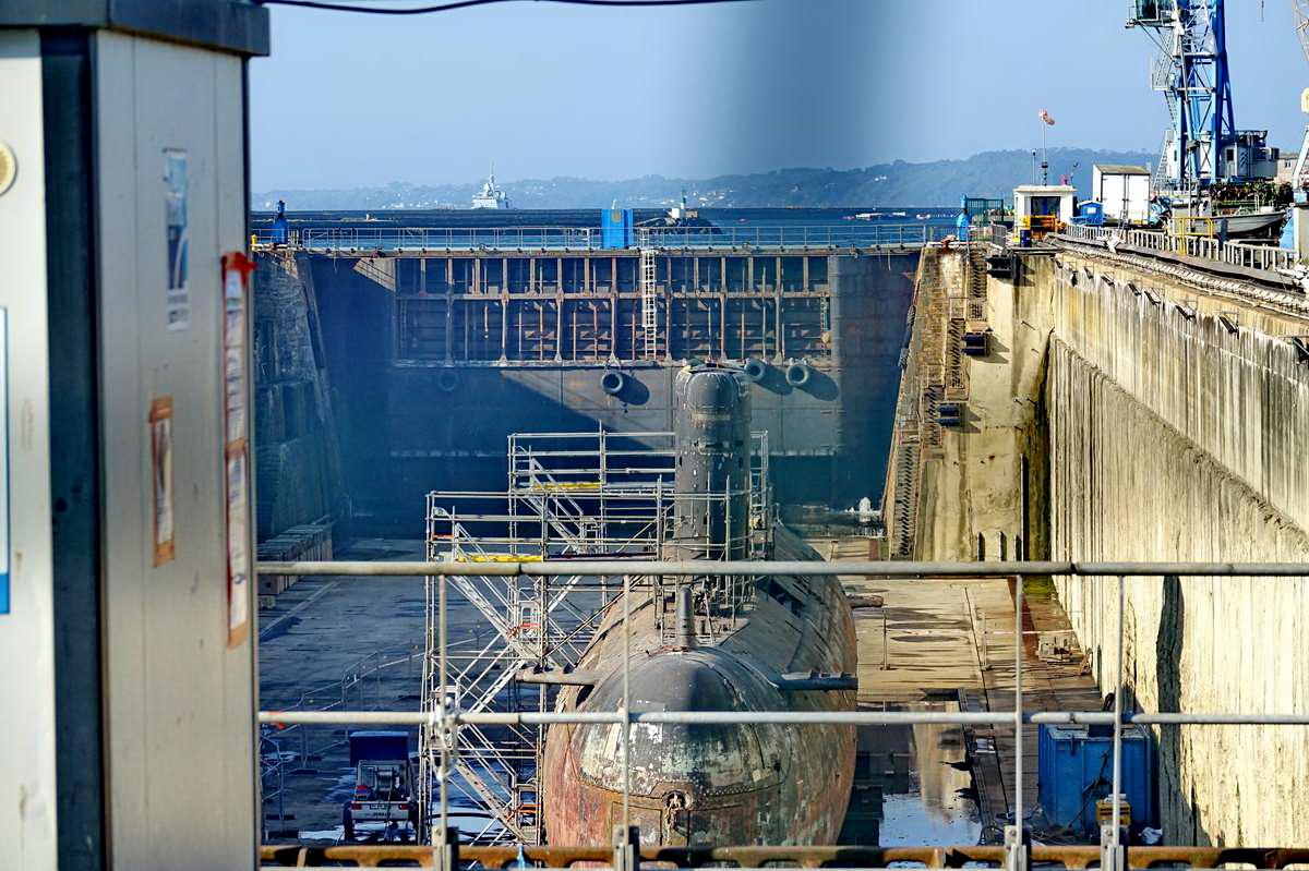 [Autre sujet Marine Nationale] Démantèlement, déconstruction des navires - TOME 2 - Page 24 _co12409
