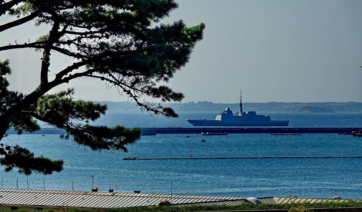 [Les ports militaires de métropole] Port de BREST - TOME 3 - Page 27 _co12460