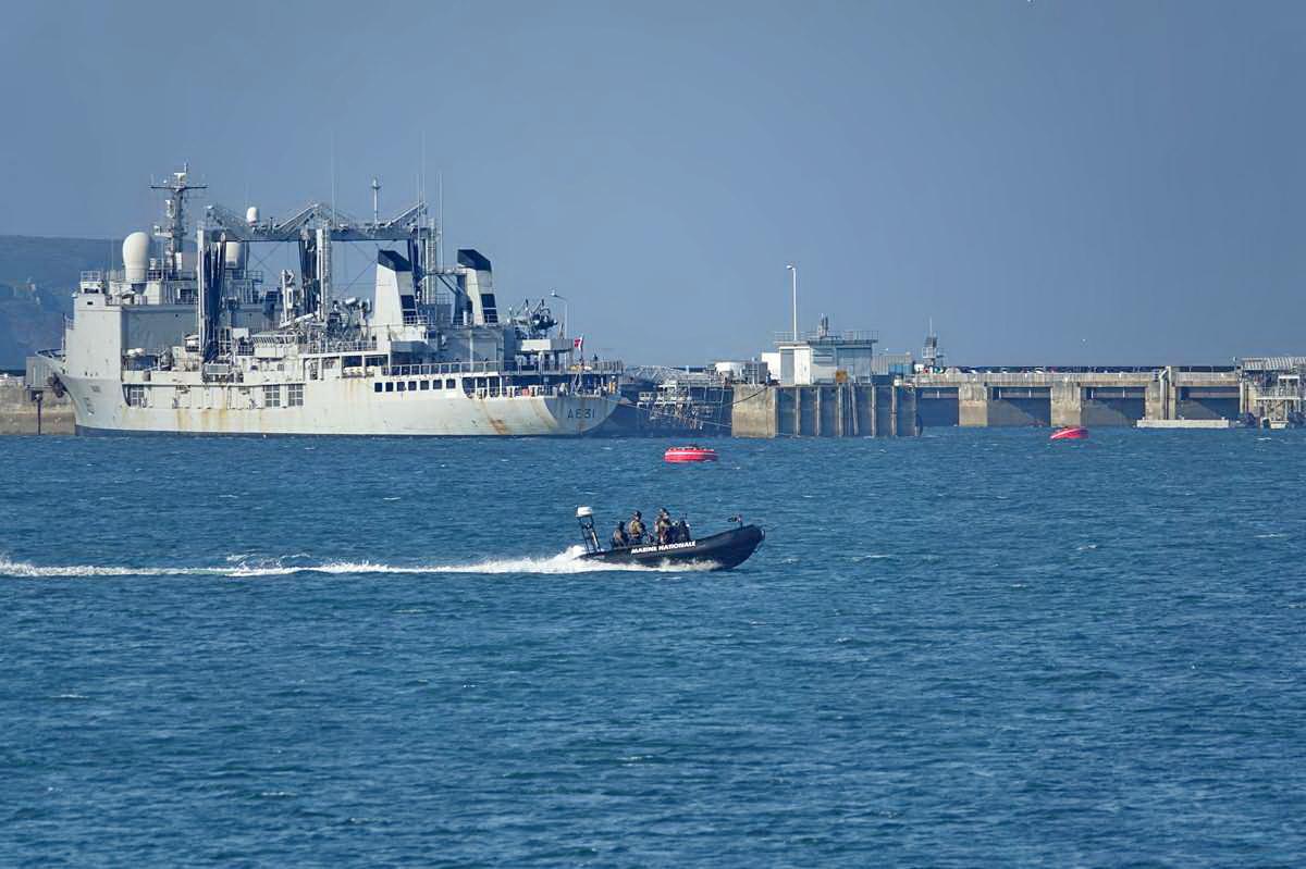 [Les ports militaires de métropole] Port de BREST - TOME 3 - Page 27 _co12466