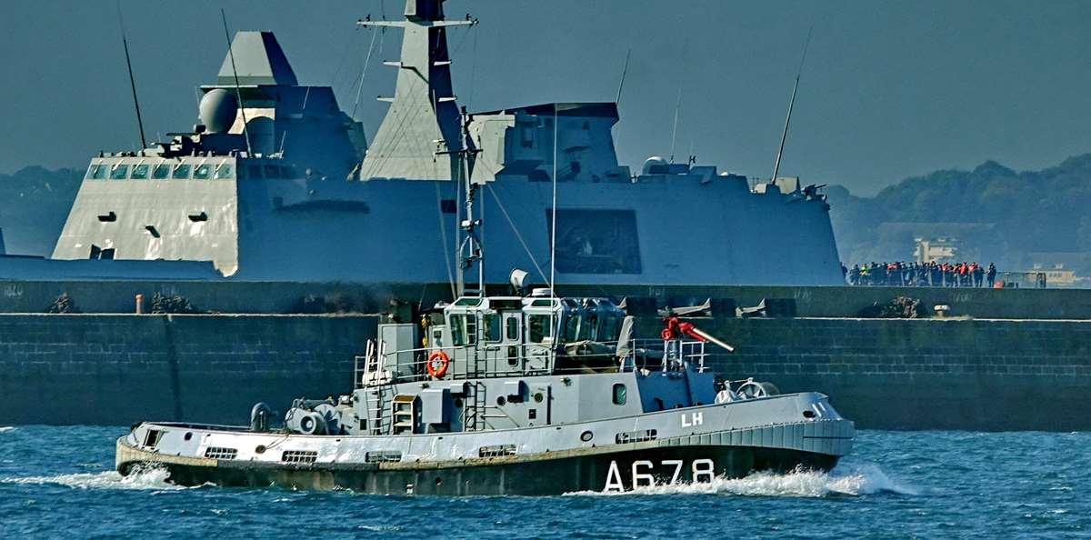 [Les ports militaires de métropole] Port de BREST - TOME 3 - Page 27 _co12486