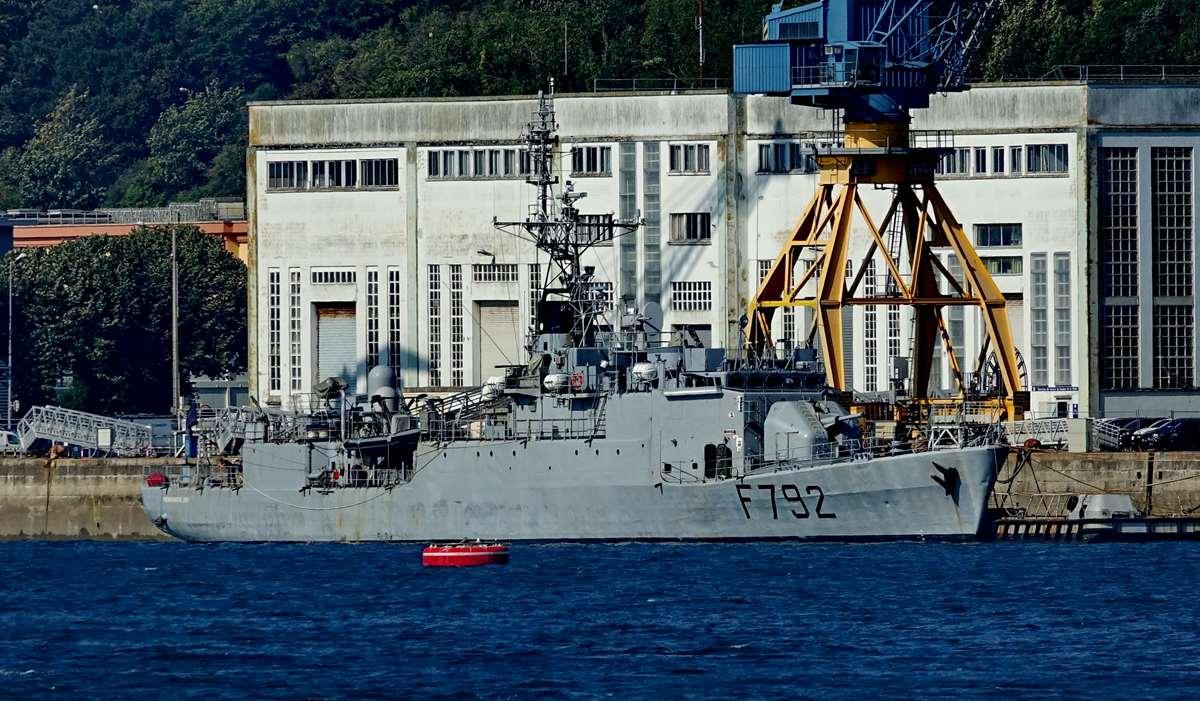 [Les ports militaires de métropole] Port de BREST - TOME 3 - Page 28 _co12660