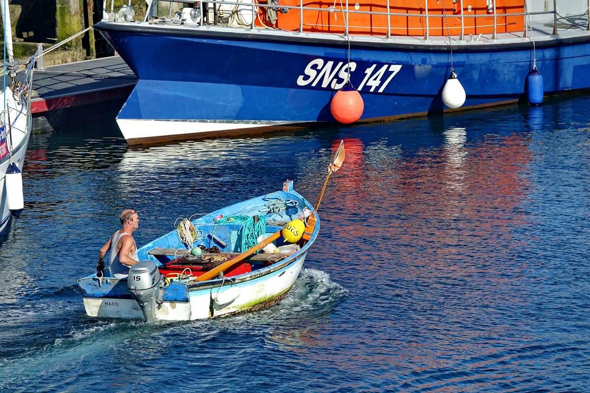 [VIE DES PORTS] Quelques bateaux de pêche (sur nos côtes Françaises) - Page 10 _co12687