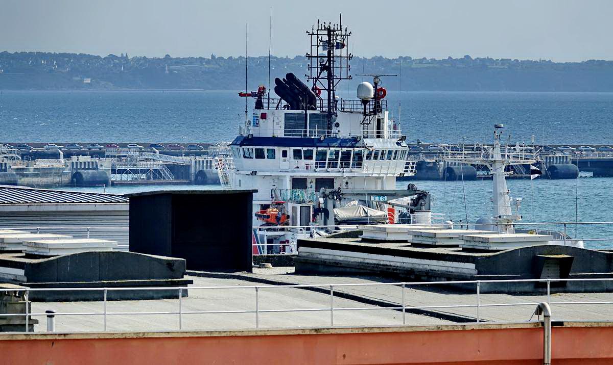 [Les ports militaires de métropole] Port de BREST - TOME 3 - Page 28 _co12748