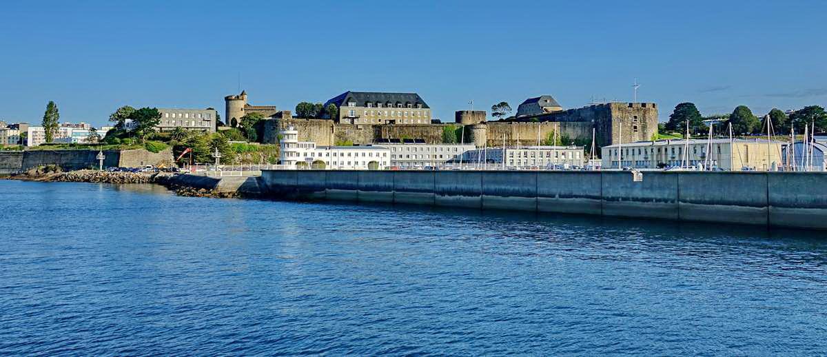 [Les ports militaires de métropole] Port de BREST - TOME 3 - Page 28 _co12838