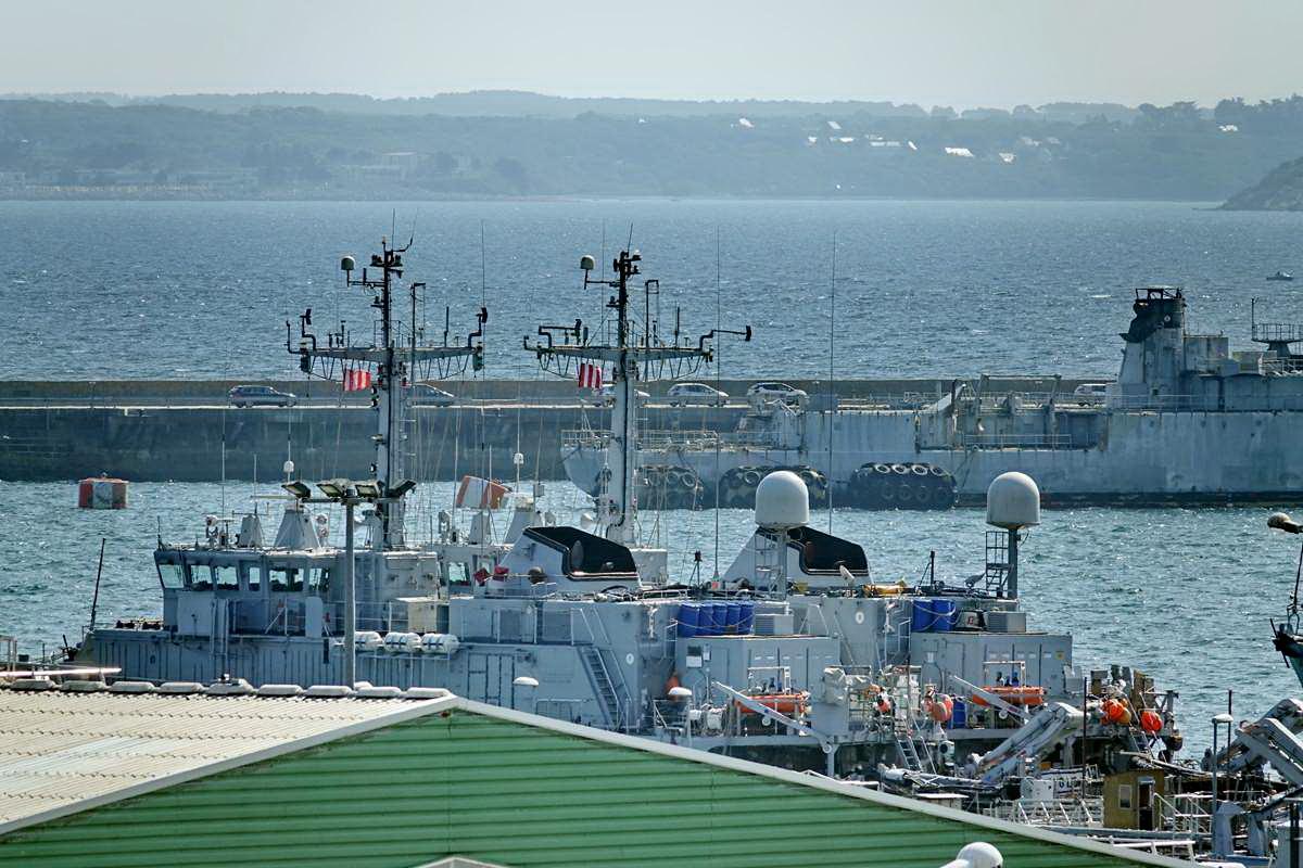 [Les ports militaires de métropole] Port de BREST - TOME 3 - Page 28 _co12936
