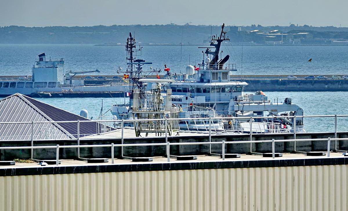 [Les ports militaires de métropole] Port de BREST - TOME 3 - Page 28 _co12949