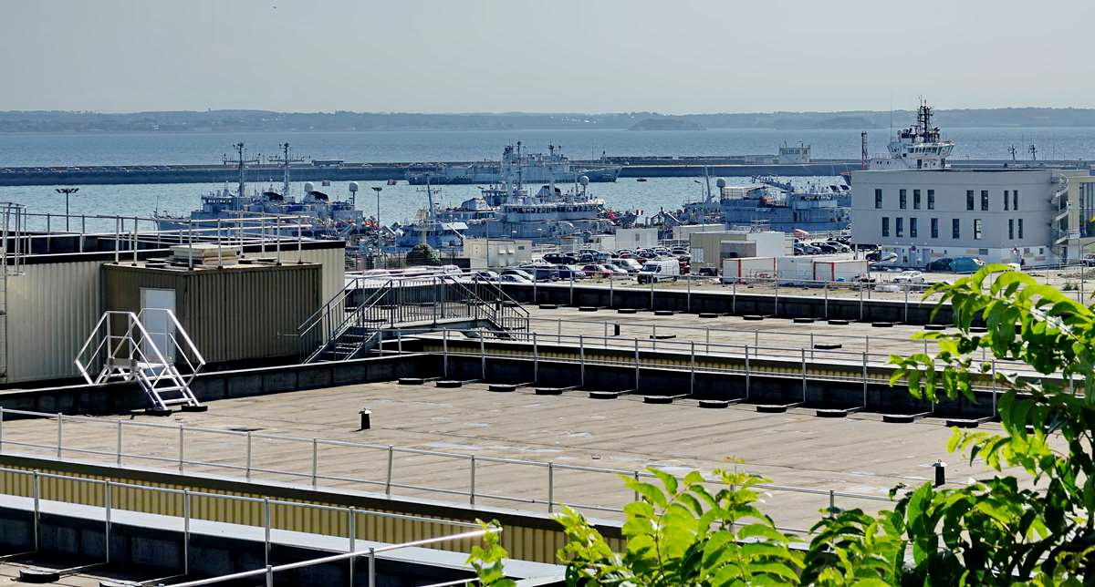 [Les ports militaires de métropole] Port de BREST - TOME 3 - Page 28 _co12952