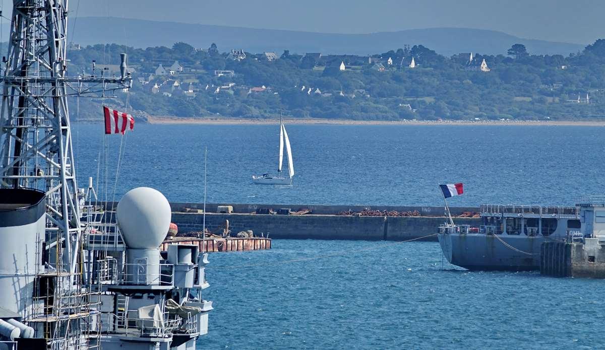 [Les ports militaires de métropole] Port de BREST - TOME 3 - Page 29 _co13198