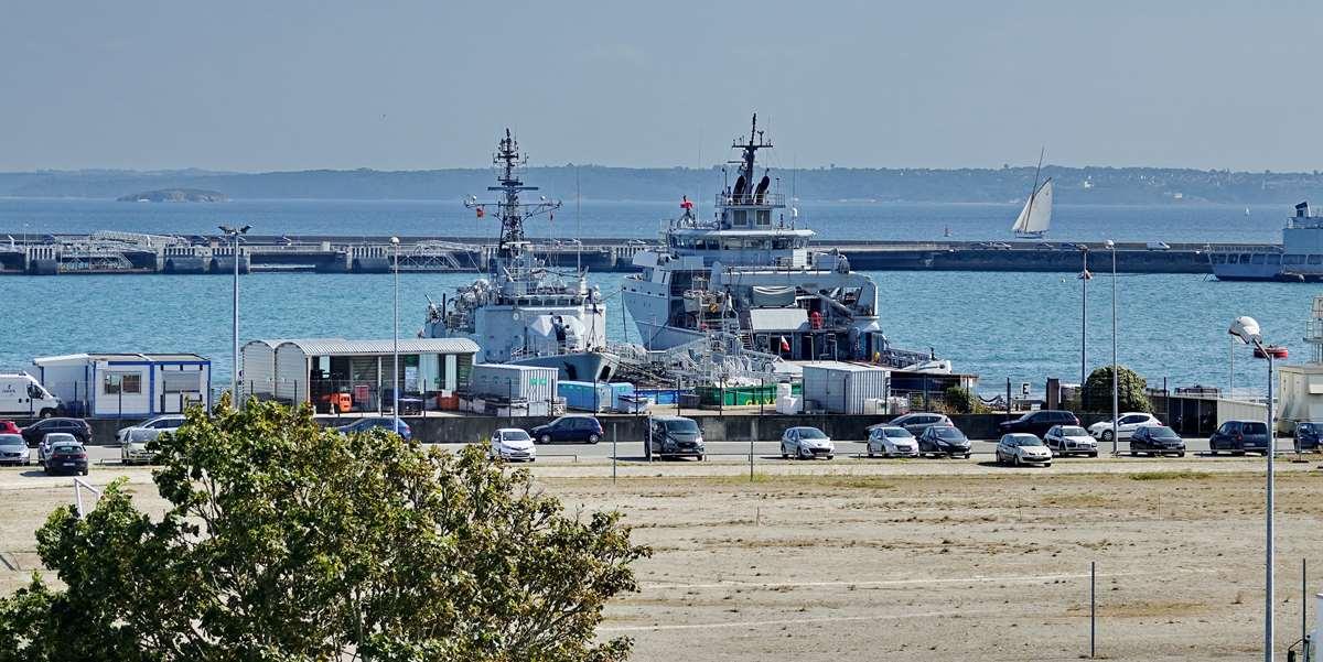 [Les ports militaires de métropole] Port de BREST - TOME 3 - Page 29 _co13203