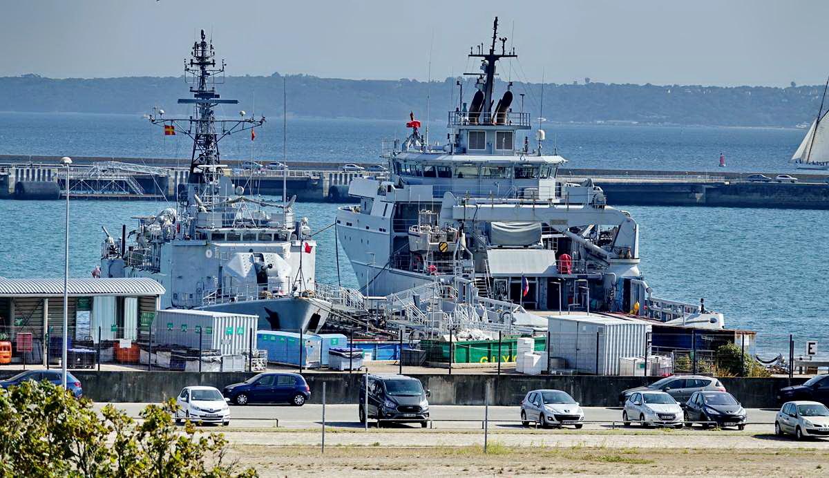 [Les ports militaires de métropole] Port de BREST - TOME 3 - Page 29 _co13206