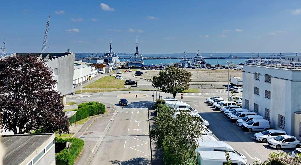 [Les ports militaires de métropole] Port de BREST - TOME 3 - Page 29 _co13209