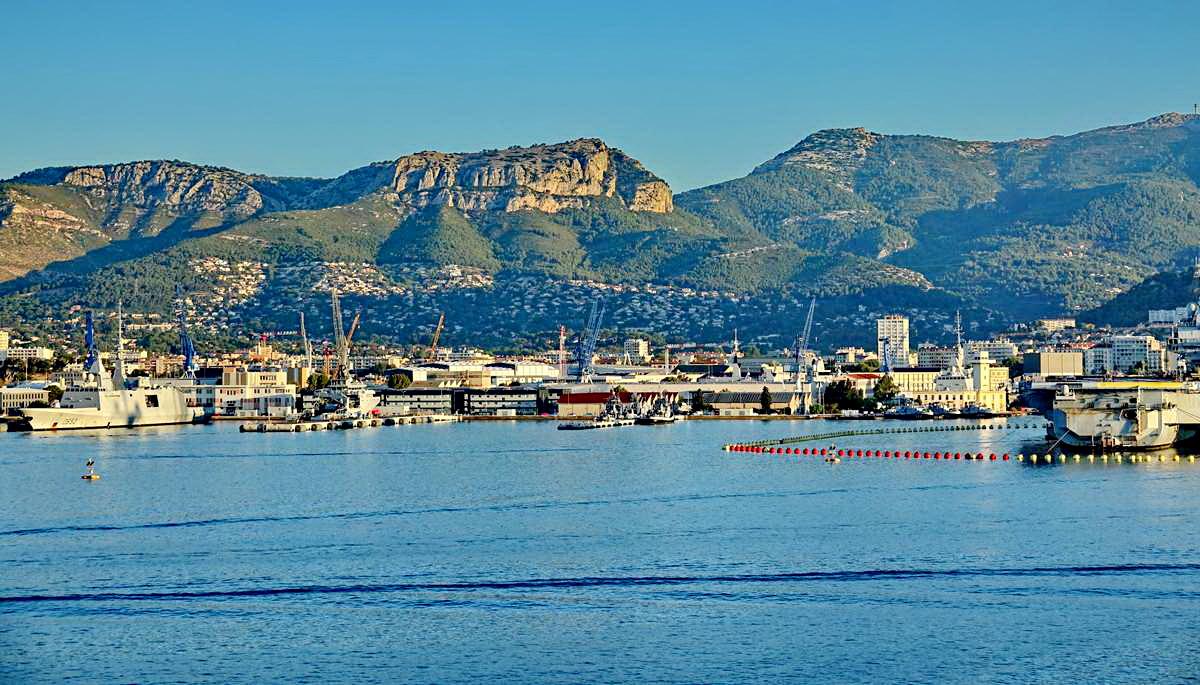 [Les ports militaires de métropole] Port de Toulon - TOME 1 - Page 5 _co13593