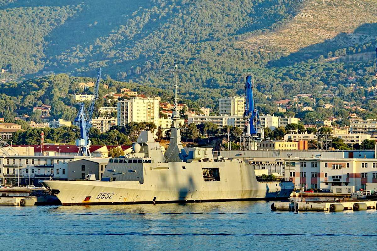 [Les ports militaires de métropole] Port de Toulon - TOME 1 - Page 5 _co13594