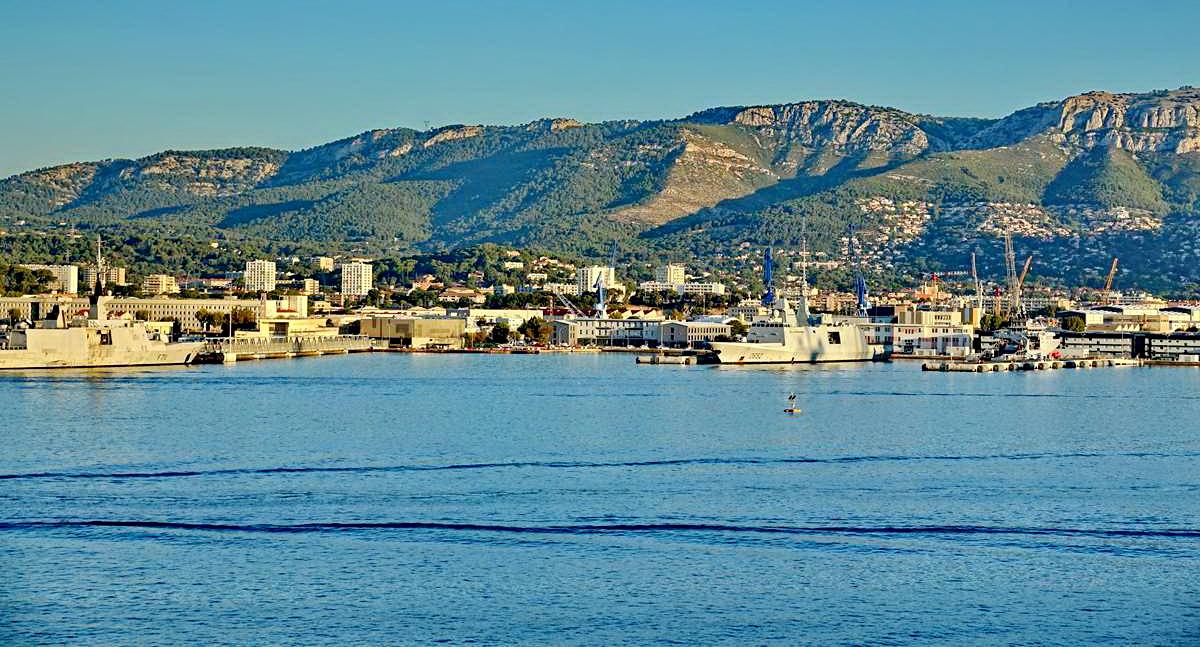 [Les ports militaires de métropole] Port de Toulon - TOME 1 - Page 5 _co13597