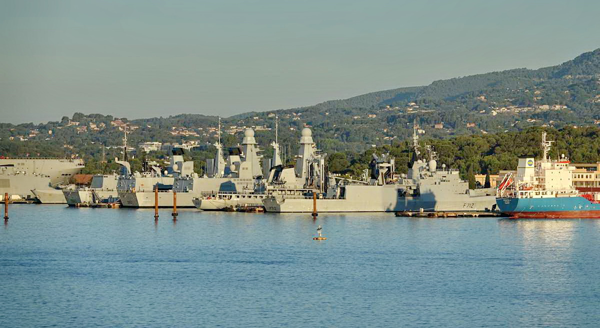 [Les ports militaires de métropole] Port de Toulon - TOME 1 - Page 5 _co13598