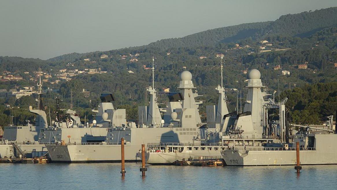 [Les ports militaires de métropole] Port de Toulon - TOME 1 - Page 5 _co13599