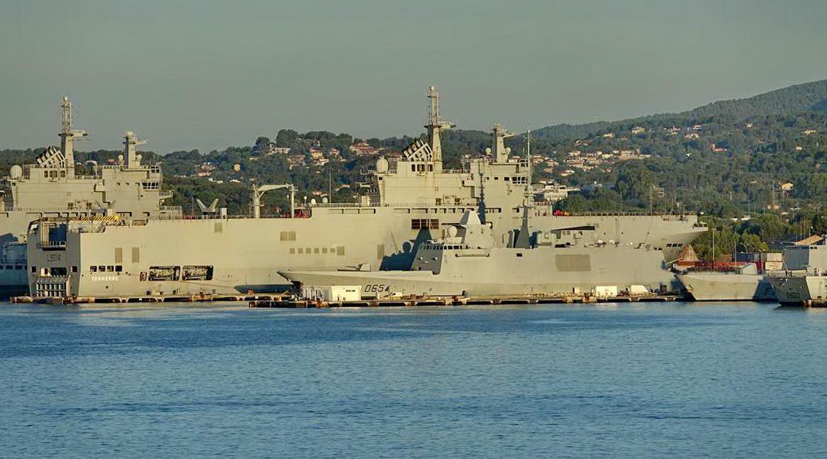 [Les ports militaires de métropole] Port de Toulon - TOME 1 - Page 5 _co13601