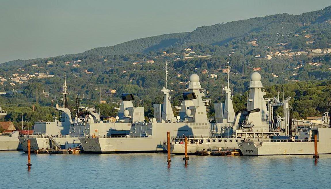 [Les ports militaires de métropole] Port de Toulon - TOME 1 - Page 5 _co13602
