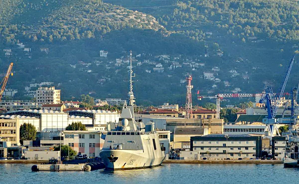 [Les ports militaires de métropole] Port de Toulon - TOME 1 - Page 5 _co13770