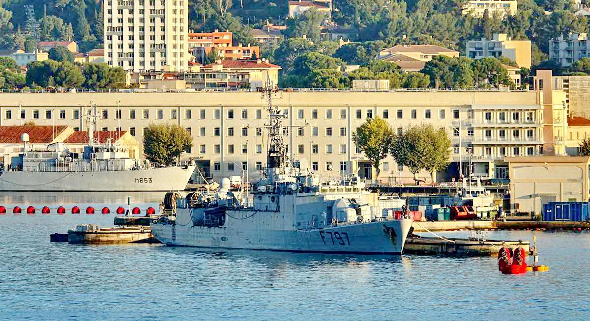 [Les ports militaires de métropole] Port de Toulon - TOME 1 - Page 5 _co13771