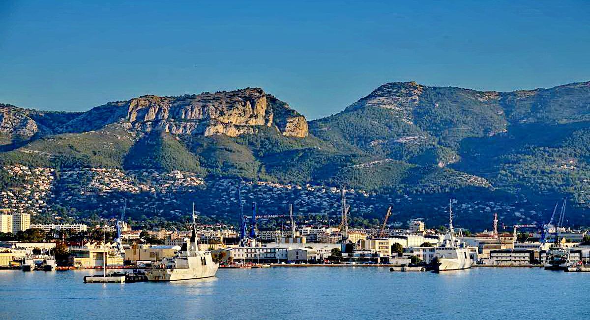 [Les ports militaires de métropole] Port de Toulon - TOME 1 - Page 5 _co13772