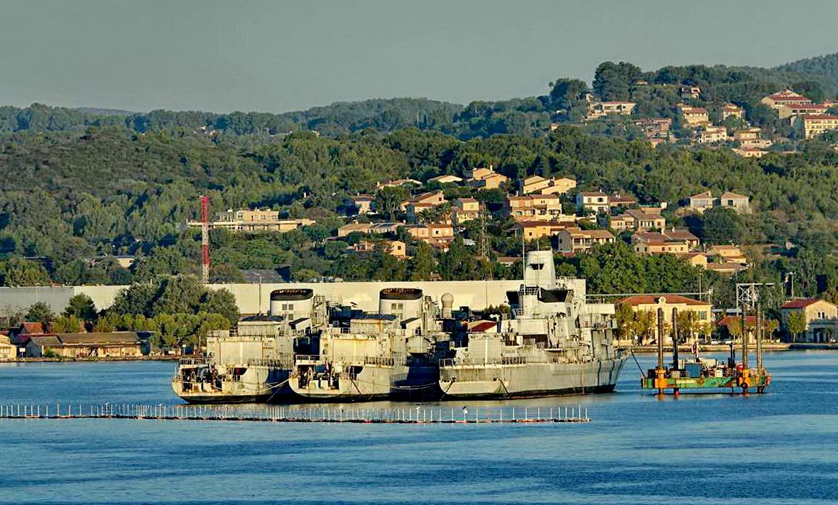 [Les ports militaires de métropole] Port de Toulon - TOME 1 - Page 5 _co14083