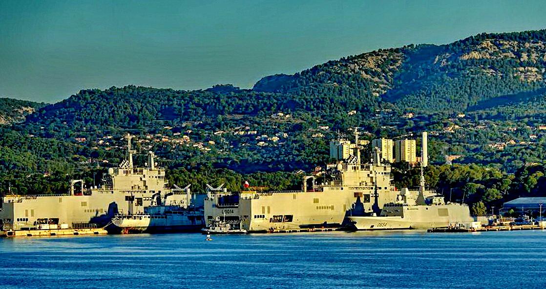 [Les ports militaires de métropole] Port de Toulon - TOME 1 - Page 5 _co14086