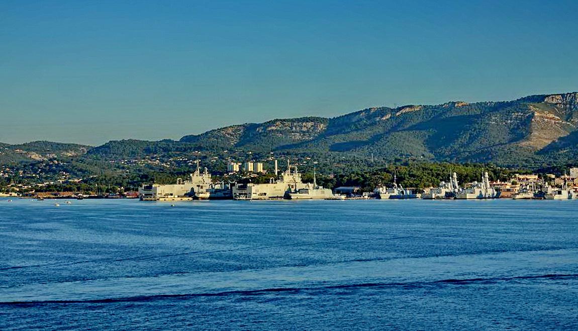 [Les ports militaires de métropole] Port de Toulon - TOME 1 - Page 5 _co14088