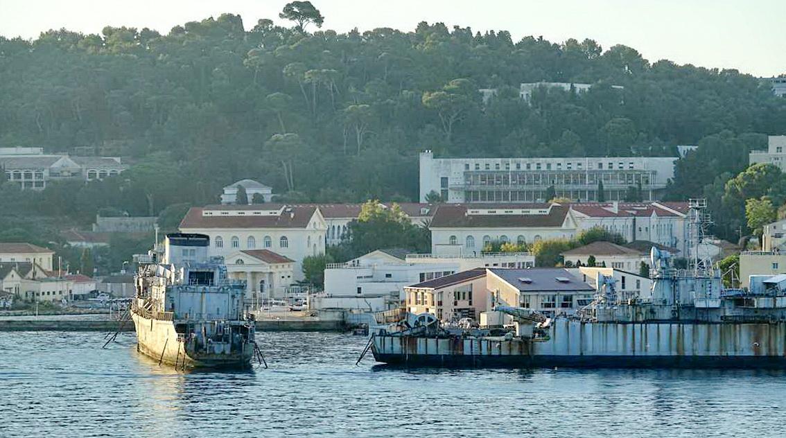 [Les ports militaires de métropole] Port de Toulon - TOME 1 - Page 5 _co14091
