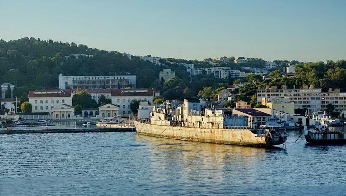 [Les ports militaires de métropole] Port de Toulon - TOME 1 - Page 5 _co14094