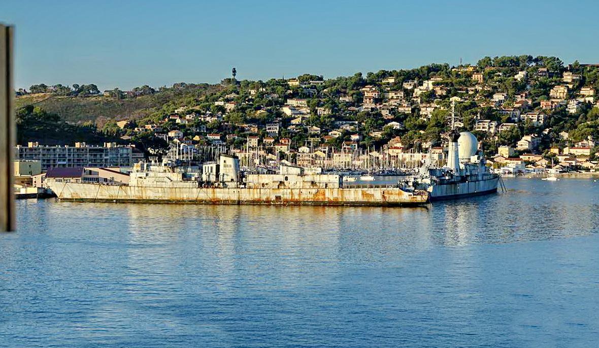 [Les ports militaires de métropole] Port de Toulon - TOME 1 - Page 5 _co14098
